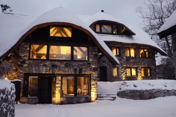 Cozy cabins for winter getaways